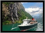 Norwegia, Fiord Sognefjord, Statek Queen Mary 2, Góry, Wodospad